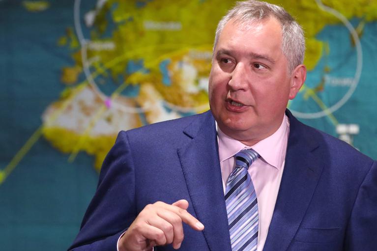 """""""Люди будут носить майки с  лого """"Роскосмоса"""", а не NASA"""":  Рогозин обещает """"инженерные чудеса"""" в российской космонавтике"""