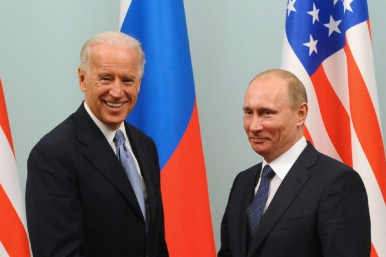 У Кремлі розповіли про графік зустрічі Байдена і Путіна