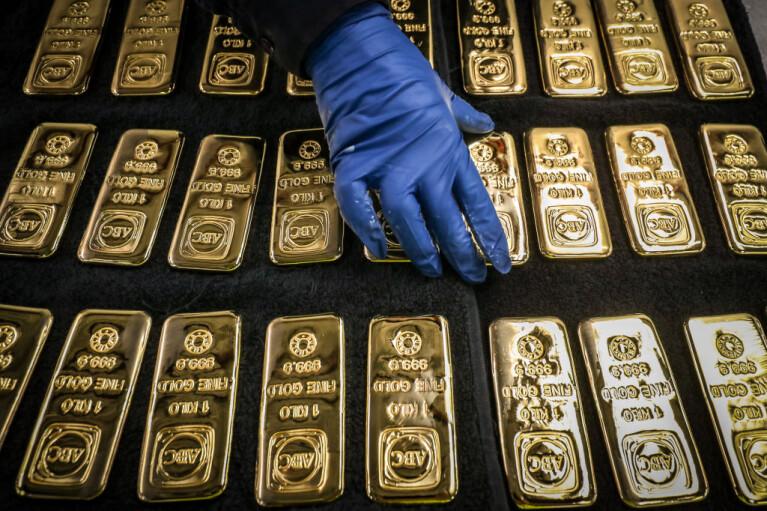 Мир уходит в золото. Почему никто не верит в доллар и быстрый конец кризиса