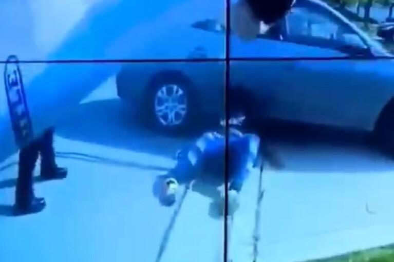 В США полицейский застрелил темнокожую девушку в день оглашения приговора убийце Джорджа Флойда