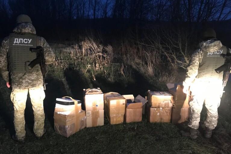 HUBLOT и СOVID-тесты: на Сумщине пограничники пресекли контрабанду из России на почти 10 млн грн
