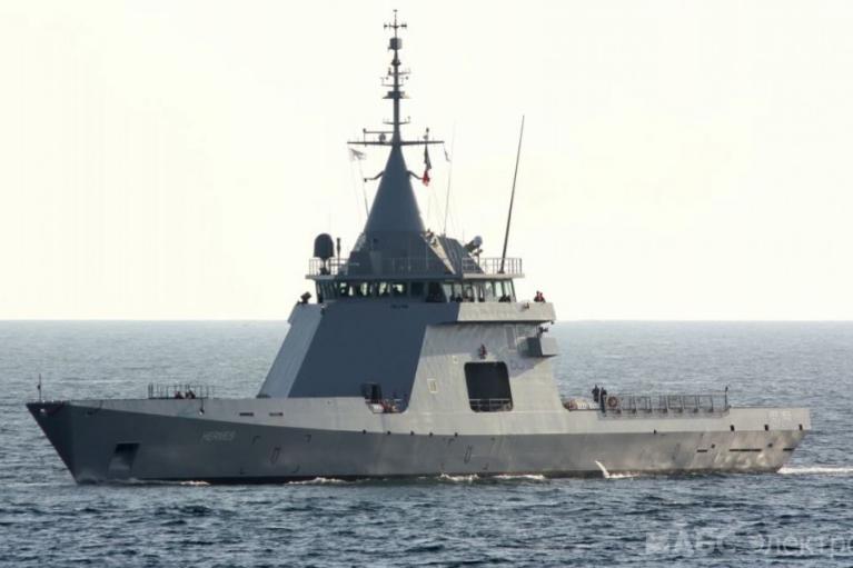 Под Одессой засекли российский военный корабль