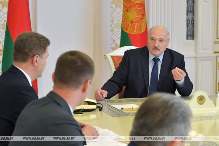 Лукашенко пригрозил участникам забастовок в Беларуси приходом немцев и американцев