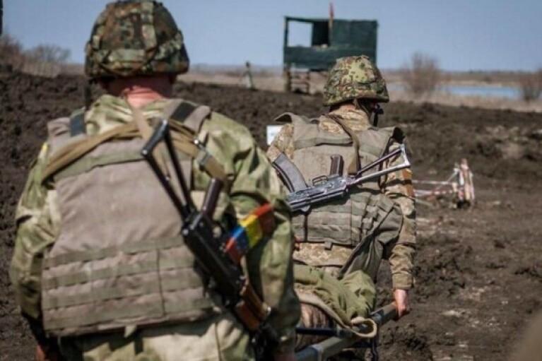 День в ООС: боевики продолжают обстреливать позиции ВСУ, погиб украинский защитник