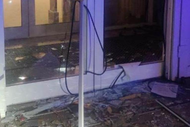 В Харькове неизвестные взорвали банкомат в супермаркете (ФОТО)