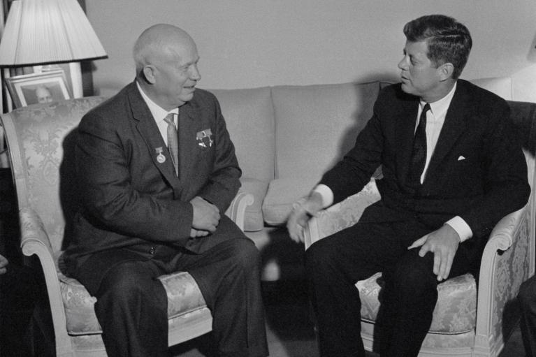 Встреча с Путиным. Почему Байдену стоит вспомнить о провальных переговорах Кеннеди и Хрущева
