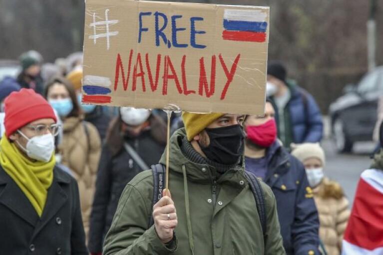 У РФ на акціях протесту на підтримку опозиціонера Навального затримано більше 300 осіб