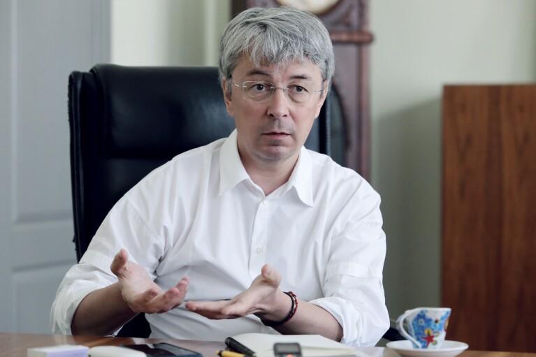 Ткаченко хочет поддерживать украиноязычных блогеров