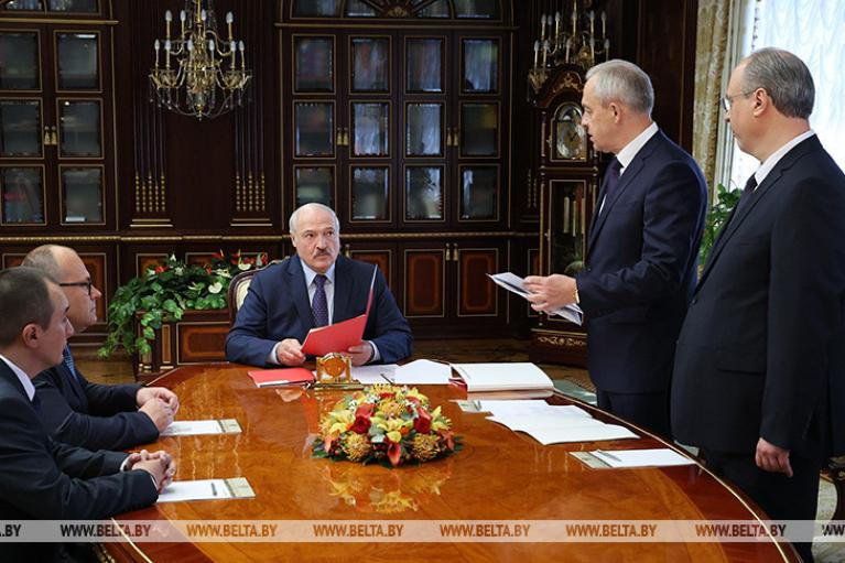 В Лукашенко появилась новая фобия — белорусские дипломаты (ВИДЕО)