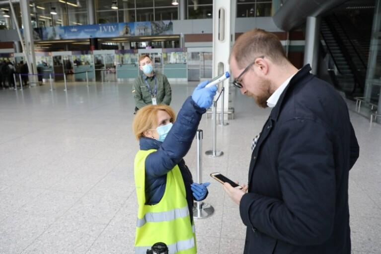 """Криклий рассказал, как будут тестировать на COVID-19 в аэропортах """"Борисполь"""" и """"Львов"""""""