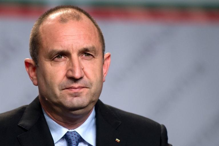 В Болгарии президент распустил парламент и утвердил временное правительство