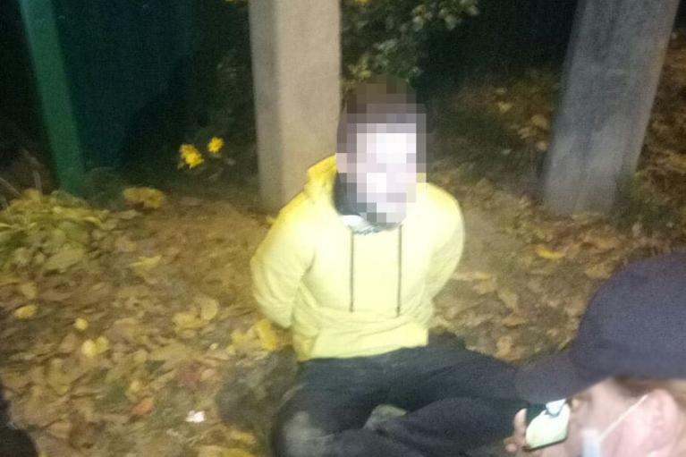 Правоохранители выдвинули подозрение в попытке поджечь дом заместителя Ермака двум лицам