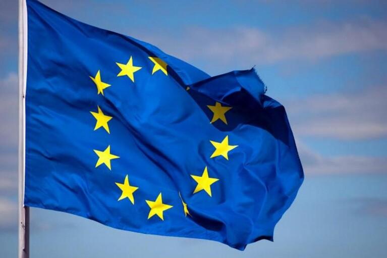 27 країн-членів ЄС погодили запровадження COVID-паспортів: Reuters дізнався їх особливості