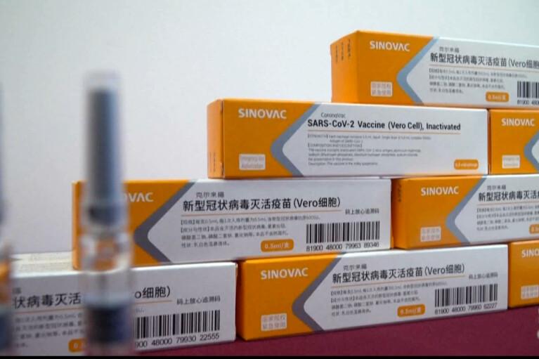 """""""Лекхим"""" объявил, что вакцину Sinovac привезут в Украину до 15 марта: В """"Медзакупках"""" об этом впервые слышат"""