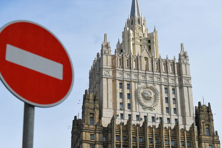 Росія висилає 10 американських дипломатів