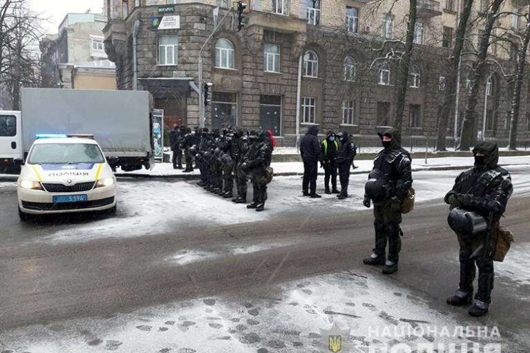 Полицию и Нацгвардию бросили на защиту властей от ФОПов