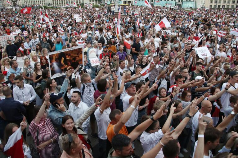 Боротьба за білоруських айтішників програна. Чому Латвія виявилася розумнішою за Україну