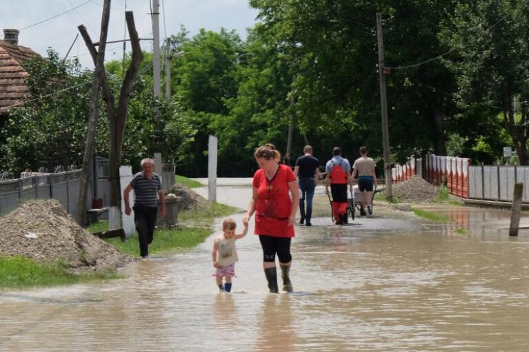 Большая вода глазами очевидца. Почему не стоит обвинять местных жителей в паводке в Карпатах
