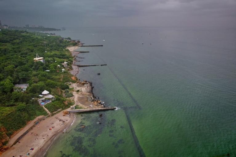 """50 оттенков зеленого"": в Одессе ""зацвело"" море (ФОТО, ВИДЕО)"