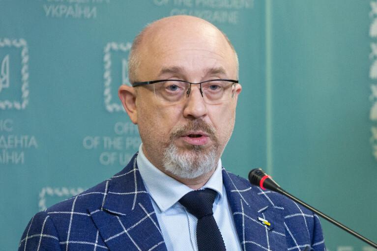 Есть контакт, нет причин для паники: Резников рассказал о встрече Зеленского с Макроном
