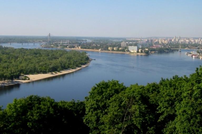 """У головних річках знайдені """"ковідні"""" препарати: в Мінекології запевнили, що боятися рано"""