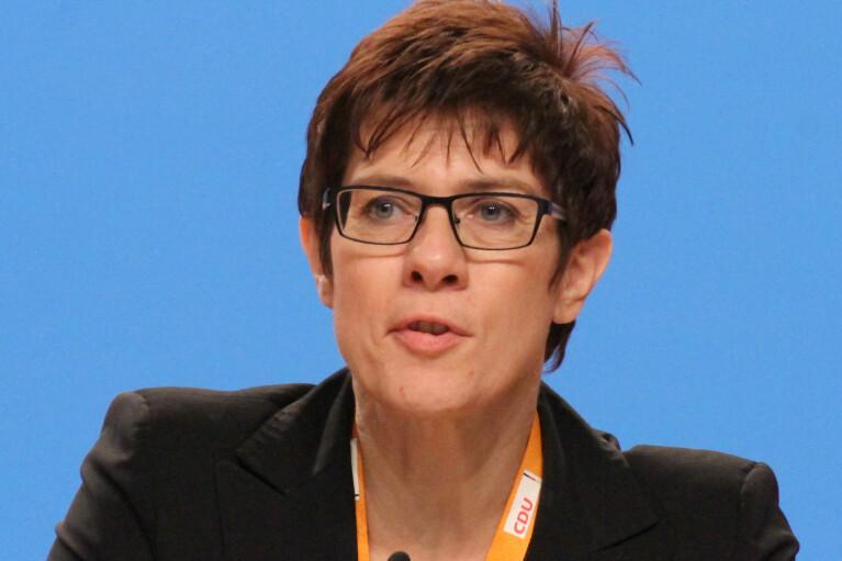 """В Германии предлагают сделать """"Северный поток-2"""" рычагом давления на РФ"""