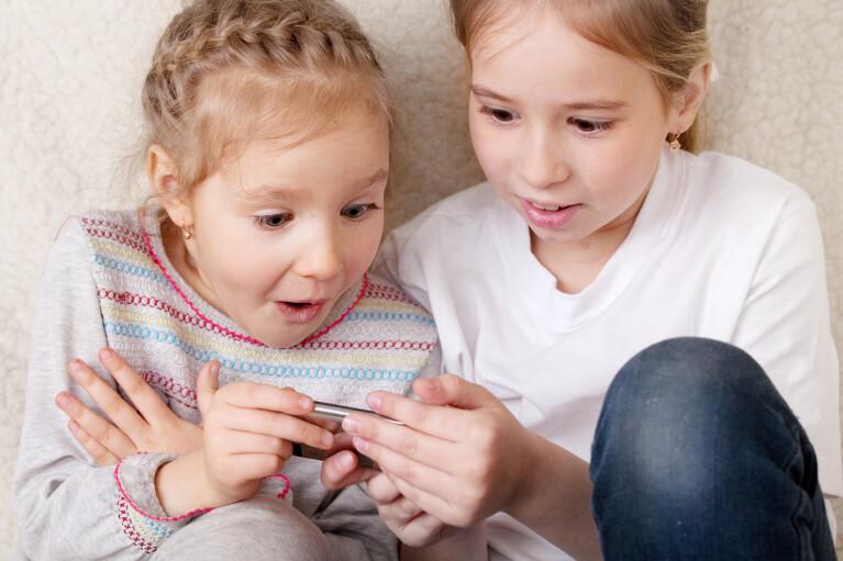 Гроші на дітях. Чи допоможе новий Instagram захистити дітей від домагань