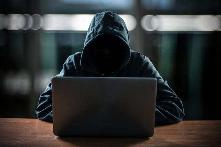 """Російські хакери, що атакували американський трубопровід, зупинили діяльність: """"загубили"""" сервери"""