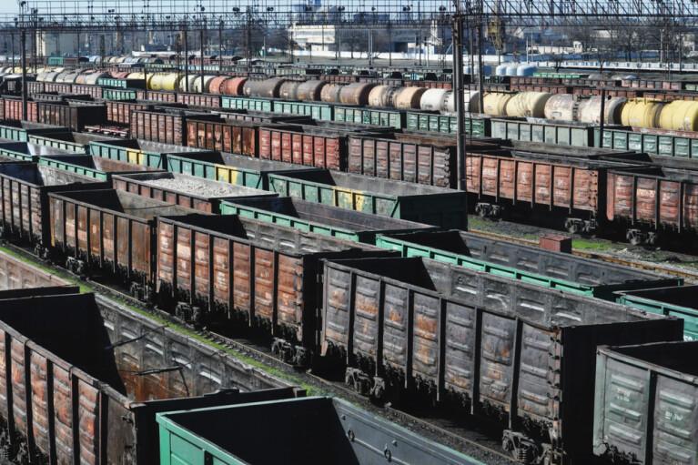 Війна залізних аргументів. Чи залишиться Україна звалищем старих російських вагонів