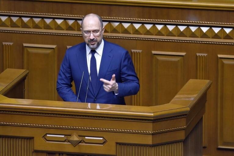 Шмигаль відзвітував про зменшення динаміки заражень коронавірусом в України