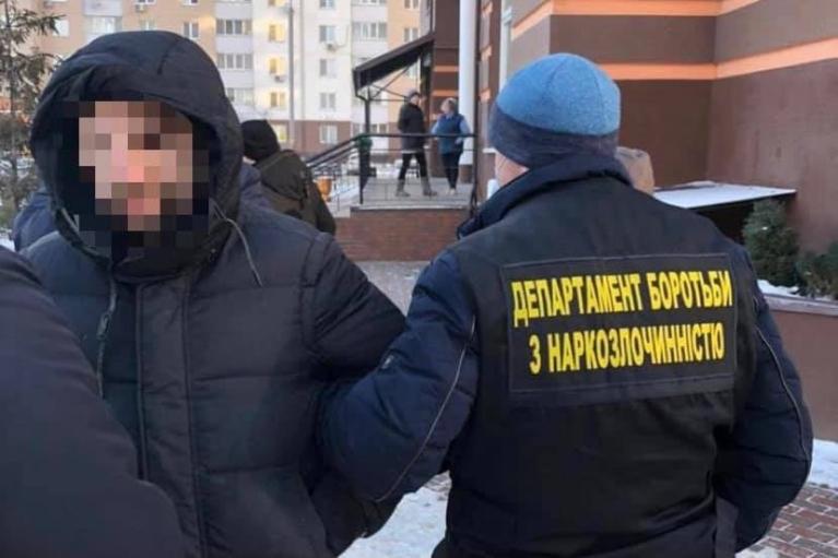 В Киеве задержали торговца фейковых справок о COVID-19 (ФОТО)