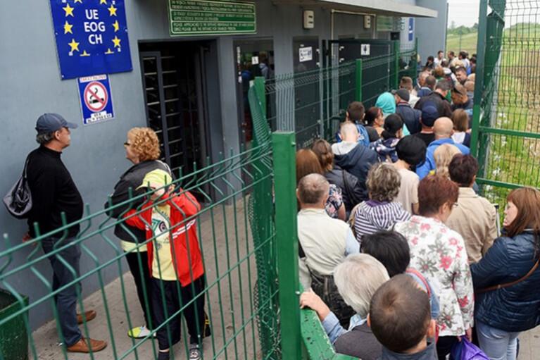 """Дискусійний клуб """"ДС"""": Трудова міграція - це катастрофа для України? (ВІДЕО)"""