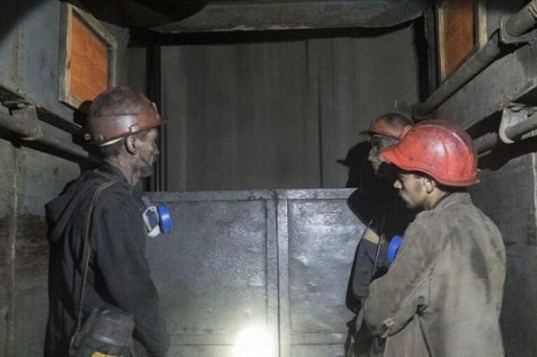 """Шахтарі в """"ЛНР"""" роками судяться через величезну заборгованість по зарплаті (ДОКУМЕНТ)"""
