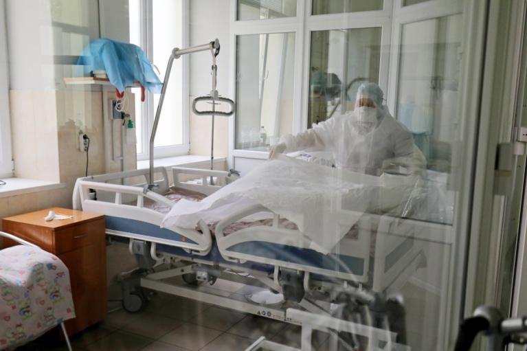 У Харківській області чоловік напав на COVID-відділення та пошкодив обладнання