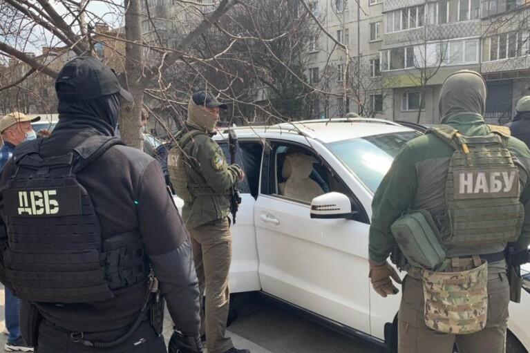"""Почти миллион гривень """"отката"""": бывшего чиновника Нацполиции подозревают в отмывании денег (ФОТО, ВИДЕО)"""