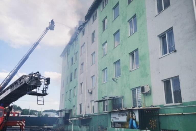 Стало известно, кто погиб при взрыве и пожаре в жилом доме под Киевом