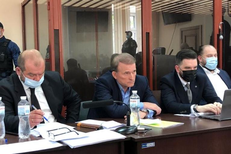 Прокурор просит арестовать Медведчука до 10 июля с альтернативой залога в размере 300 млн грн