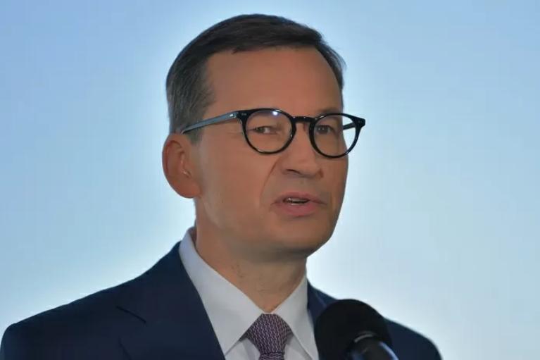 Польша подверглась масштабной кибератаке: премьер созывает закрытое заседание парламента