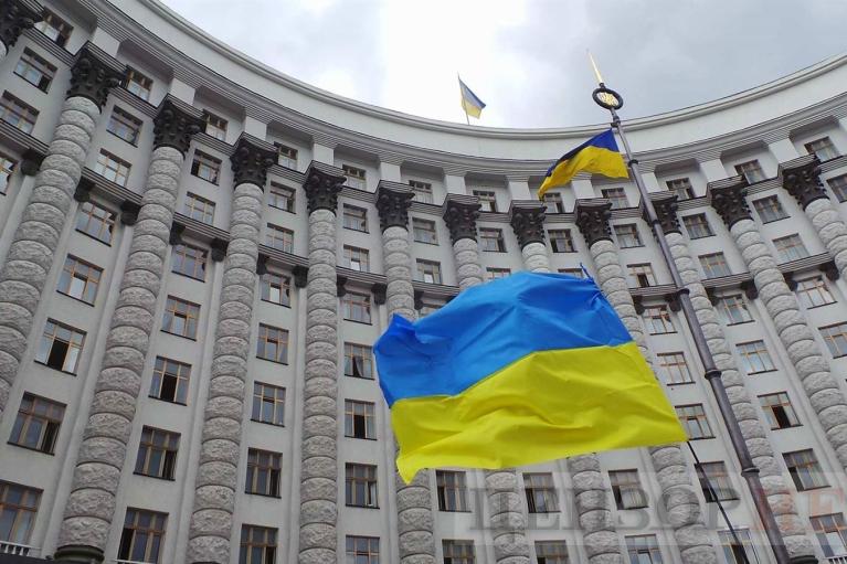 """У Шмыгаля решили направить 1,4 млрд грн от растаможки """"евроблях"""" на борьбу с COVID-19"""