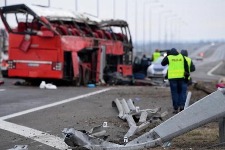 Аварія автобуса з українцями в Польщі: водієві загрожує до 8 років в'язниці