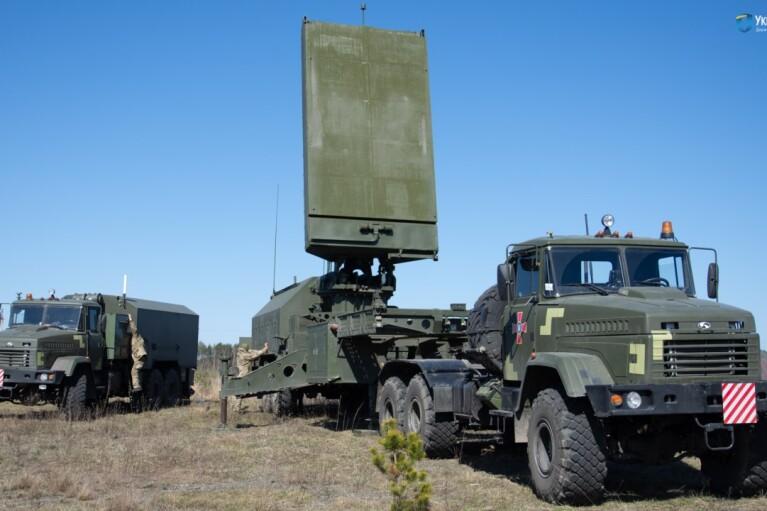 """Смерть артилерії. Чому наші РЛС """"Зоопарк-3"""" ще не скоро замінять на Донбасі американські радари AN/TPQ-3"""