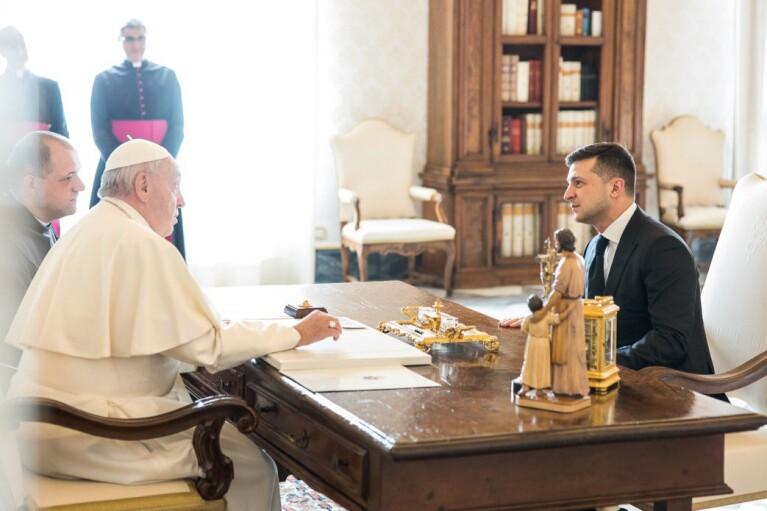 Зеленський зустрівся з Папою Римським (ФОТО)