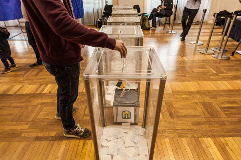 Країна чудес Зеленського. Чому після 25 жовтня можуть знадобитися нові місцеві вибори