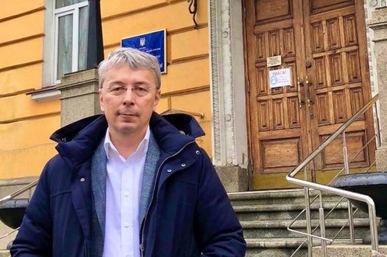 """Ткаченко рассказал, кого в первую очередь следует штрафовать за нарушение """"языкового закона"""""""
