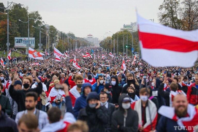 Акції протесту в Білорусі: правозахисники повідомили про 340 затриманих (ВІДЕО)
