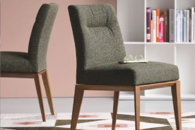 Італійські стільці та інші меблі – розкіш за адекватною ціною