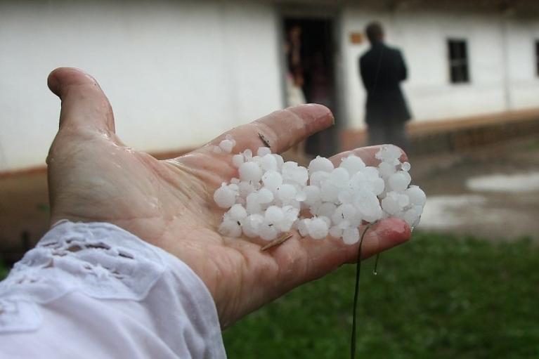 В Украине в четверг пройдут дожди, местами с градом (КАРТА)