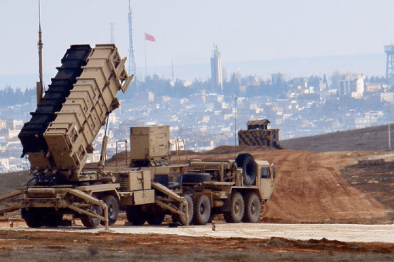 США перебрасывают вооружение с Ближнего Востока из-за угрозы из Китая и России, — СМИ