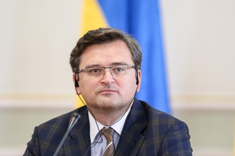 ОБСЄ має продовжити місію на російському кордоні, — Кулеба