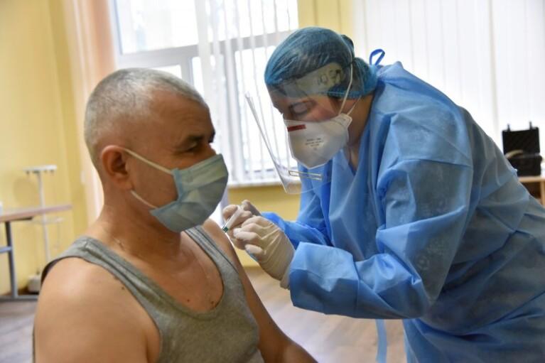 В Минздраве рассказали, сколько украинцев записались в очередь на вакцинацию